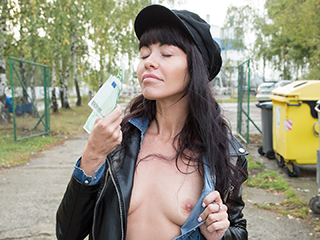 [PublicAgent] Sasha Colibri – Mouthful of cum for sexy brunette