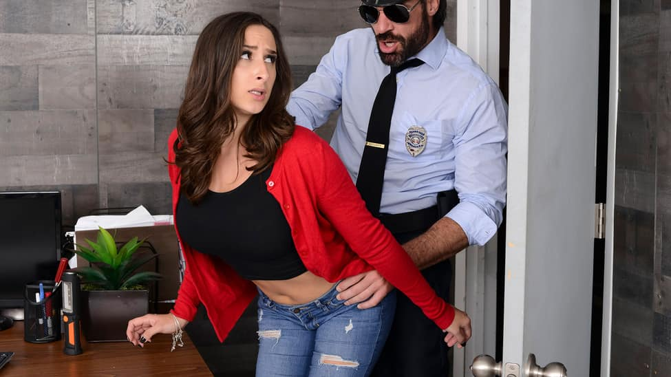 [BrazzersExxtra] Ashley Adams – Mall Cop Cock