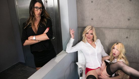 [MommysGirl] Kenzie Reeves, Dava Foxx, Serene Siren – My Mom And Her Boss